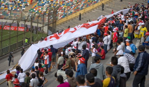 Peruvian flag rasing prior to the start of the match.