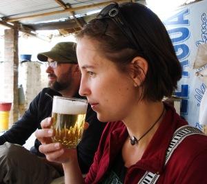 John and Jessie taste cerveza blanca