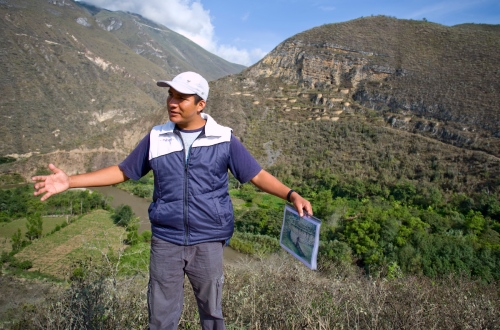 José explains the world to us